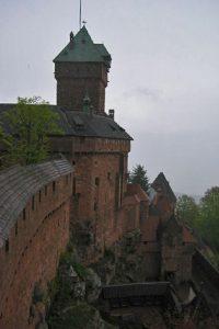 Die Hochkönigsburg - neutraler Punkt im Landschaftstempel